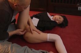 Cưỡng hiếp nữ tu sĩ trẻ trung Tsubomi Ayukawa